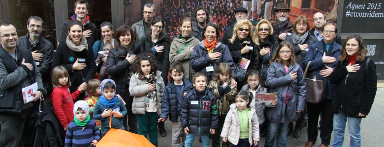 More than 300 people participated in the Walking Tours for la Marató de TV3