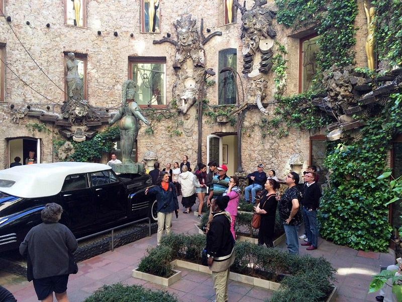 Visite guidée du Musée Dali + Transport