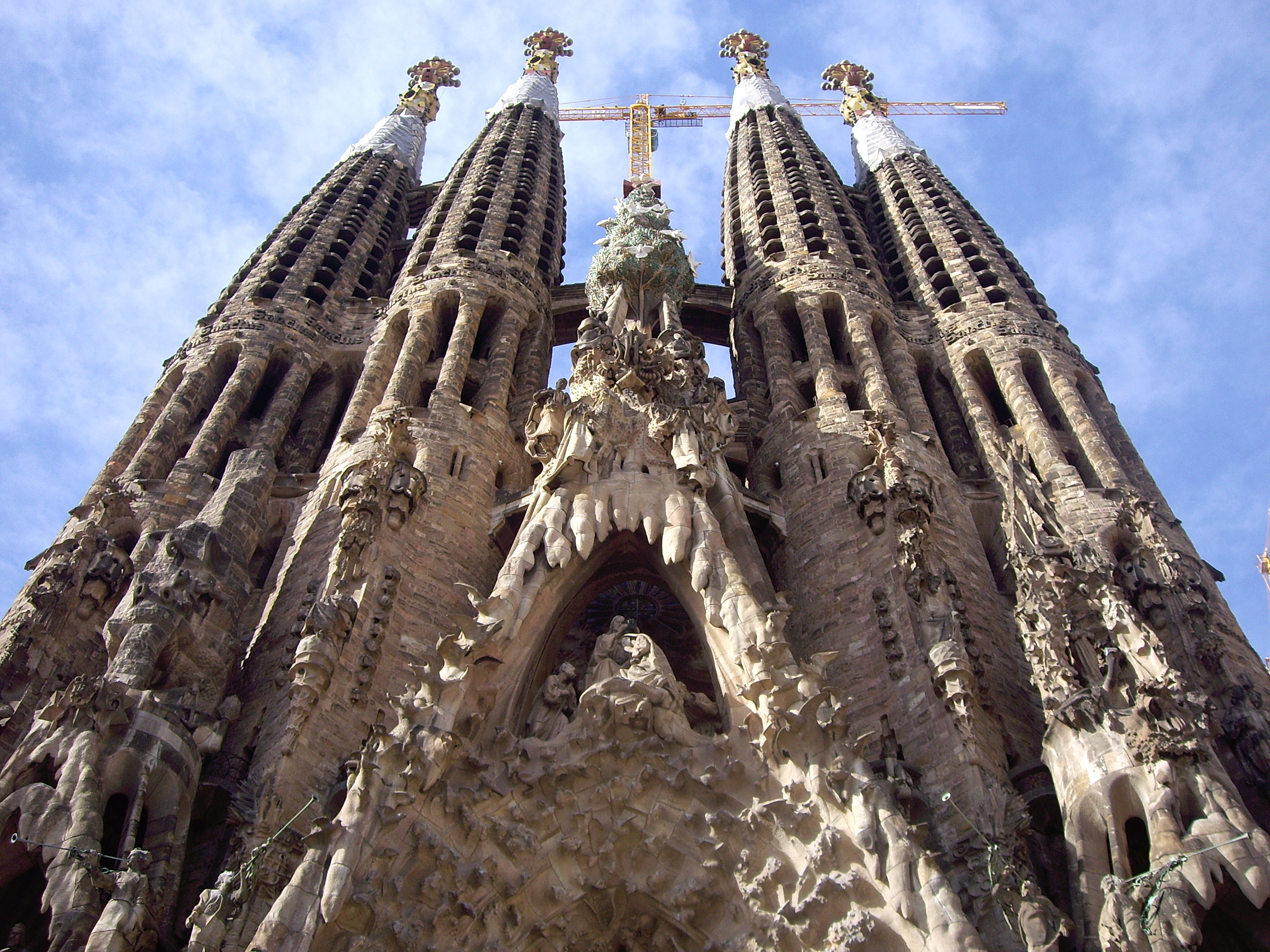 Gaudi Tour Vs Gothic Quarter Tour Barcelona