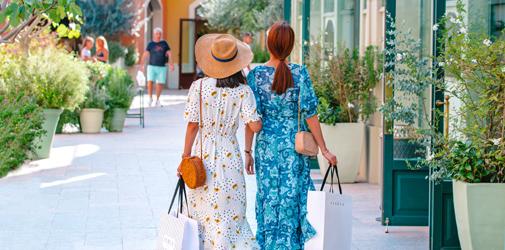 COMBO Offer: Gaudí & La Roca Village Shopping Tour