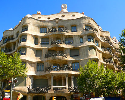Private Living in a Gaudí House: from La Pedrera to Palau Güell