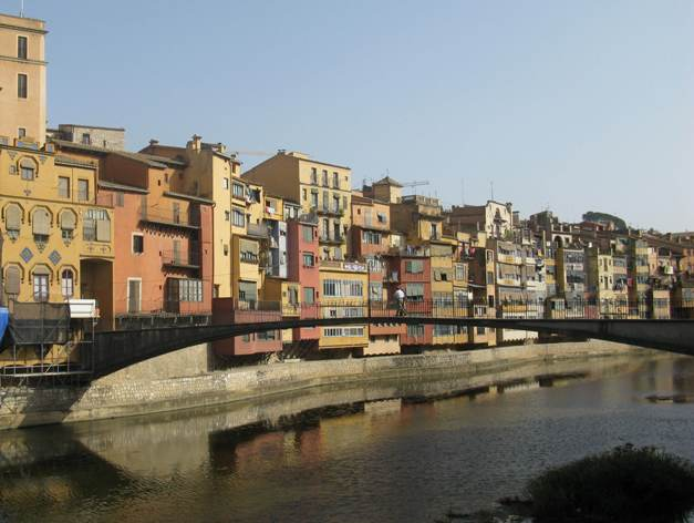 Private Dalí Museum and Girona day trip by train