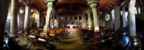 Colonia Güell y Cripta Gaudí: tren + audioguía