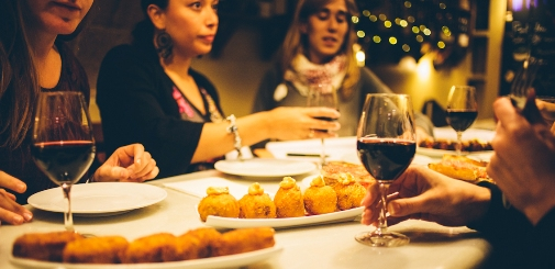 Wine and tapas tasting experience in Barcelona