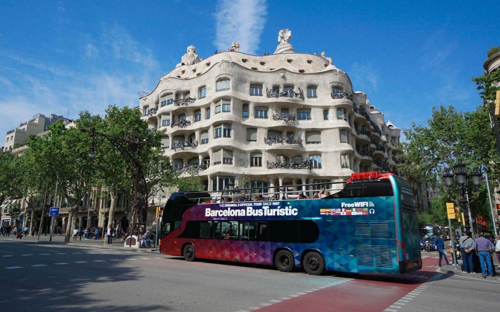 Hop On Hop Off Barcelona Bus Turistic
